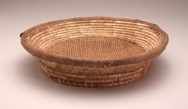 Basket tray with openwork bottom