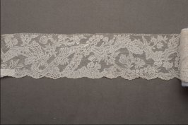 Needle lace border
