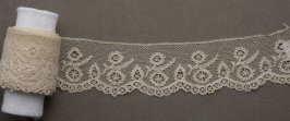 Lace edging scalloped