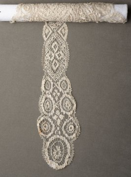 Head scarf with lappets