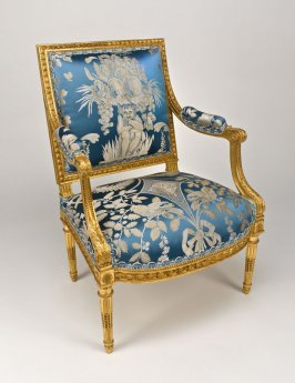 Armchair (Fauteuil a la Reine) from the Salon of M. Perier, Vicomte de Greuze