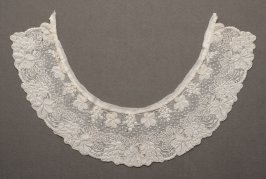 Collar, whitework