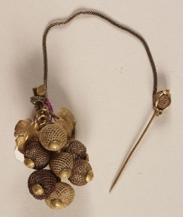 Hair brooch(with earrings, .2)