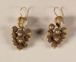 Pair of hair earrings(with brooch, .4)