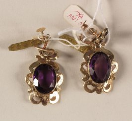 Pair of earrings (with brooch 52491.1)