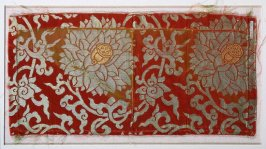 Textile fragment (matches 54687.177)