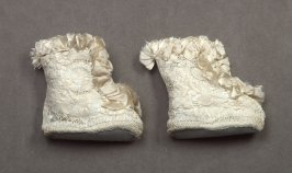 Pair of infant booties(with 78.12.1-.2-.4)