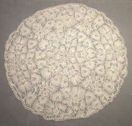 Lace cover, round