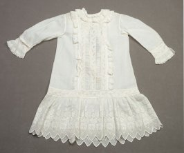 Child's dress :White fine linen with white embroidery and scalloped hem