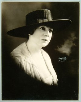 May Lassen (actress, vocalist and Gibson girl)