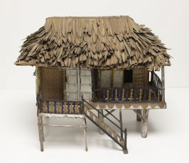 House model with thatched roof