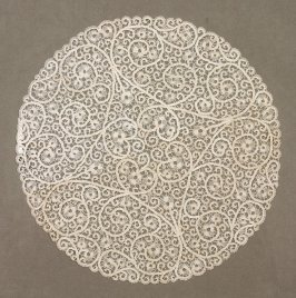 Lace doily round place mat