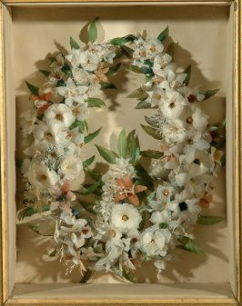 Wreath of feather flowers
