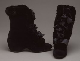 Pair of woman's carriage boots