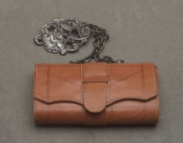 Wallet beige with silver chatelaine