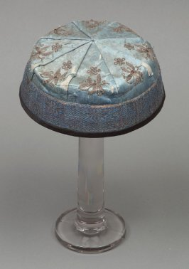 Mandarin cap: , blue with embroidered brown flowers