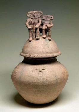 Burial urn with two figures