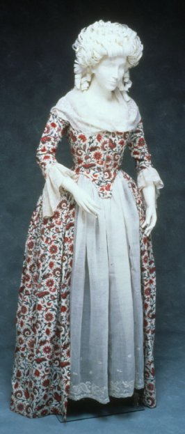 Ensemble: dress (Robe à l'Anglaise), fichu, apron, and engageantes