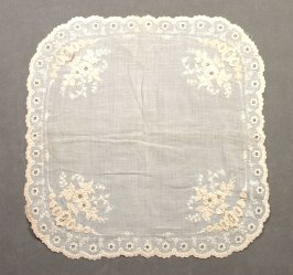 Handkerchief : rounded