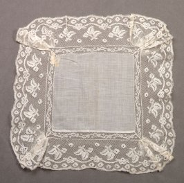 Handkerchief : leaves and ribbons