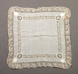 Handkerchief :lace border and lace insets