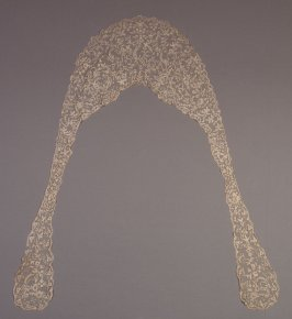 Collar with lappet fronts, Brussels applique