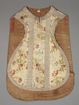Chasuble embroidered flowers on beige ground, with silver trim