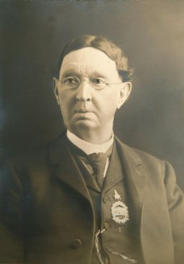 Lell H. Woolley, member of the Vigilantes and Society of California Pioneers