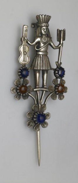 Mantle brooch