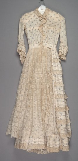 Day dress or wrapper