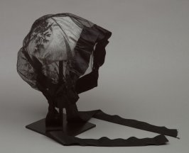 Woman's mourning bonnet