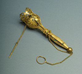 Flower holder(tussy mussy) gold with floral open work and straight handle