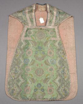 Chasuble pink, blue and silver on green