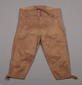 Boys trousers: brown with buttons