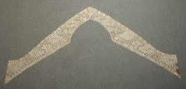Collar with lappets