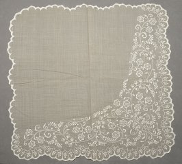 Fichu net with floral embroidery in white
