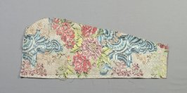 Fragment: floral pattern on beige(matches 54809.2 plus one)