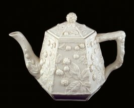 Teapot and lid with blackberry relief design (from 3 piece set: PM80.61.1-3)