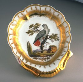 Plate with handle
