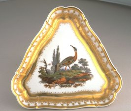 Triangular serving plate