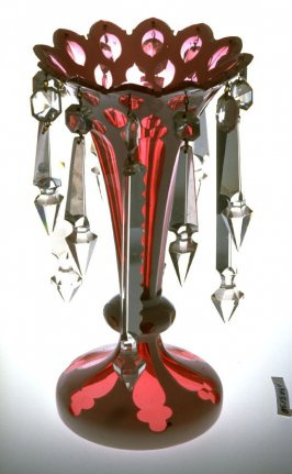 Candlestick with hanging prisms - red and white