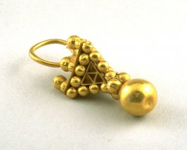 Earring in the form of an Inverted Pyramid
