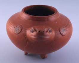Effigy bowl of poisonous bufo toad