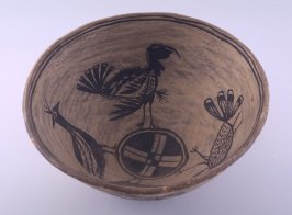 Bowl decorated with birds