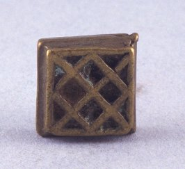 Goldweight with zig zag pattern