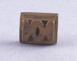 Goldweight with zig zag patterns