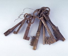 Set of ten keys on a ring, range from 2-8 inches