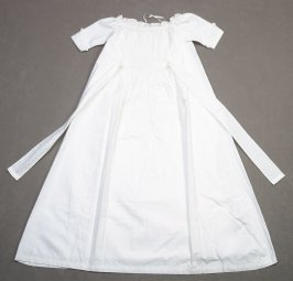 Infant's nightgown