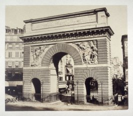 #21: Arch of Louis XIV (erected 1674) from Vues de Paris en Photographie