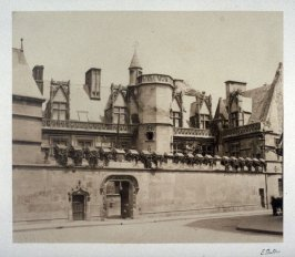 #31: Hotel de Cluny from Vues de Paris en Photographie